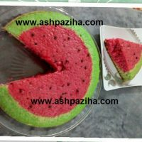 کیک اسفنجی به شکل هندوانه (یلدا ۹۴)