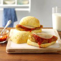 طرز تهیه ی ساندویچ مرغ با پنیر پارمزان