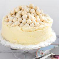 طرز تهیه ی کیک شکلات سفید