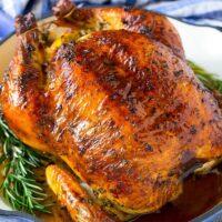 طرز تهیه مرغ کامل بریان خانگی برای دورهمی شب یلدا