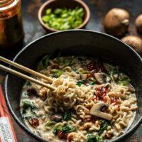 طرز تهیه نودل خامه ای سبزیجات