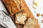دستور پخت نان ماست و موز خانگی